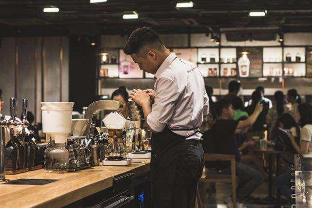 Cafeteria (Photo by quan le on Unsplash)
