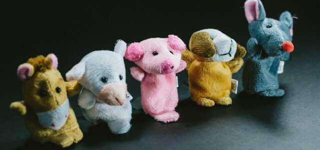 横一列の人形1