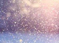 太陽光にきらめく粉雪