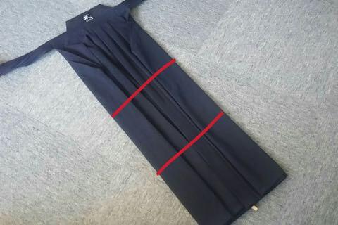 剣道袴のたたみ方6ー2