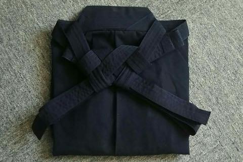 剣道袴のたたみ方11ー2(紐の結び方)完成
