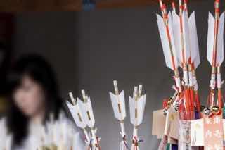 神社の授与所で売っている破魔矢