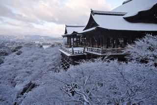 雪の清水寺(京都)