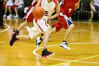 バスケの走り合い