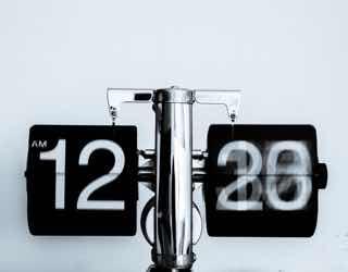 分が進みまくるアナログ時計