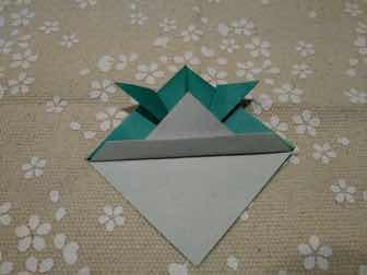 折り紙・兜の折り方⑦