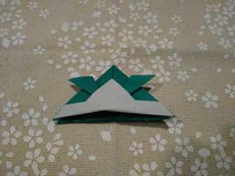 折り紙・兜の折り方⑩