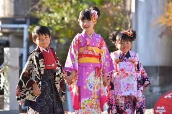 753-kimono-children